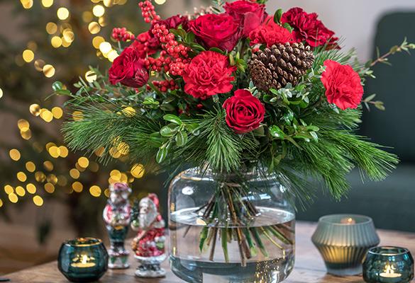 klassisk rød julebukett fra interflora